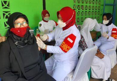 Satnarkoba Polres Gelar Vaksinasi Massal di Manokwari