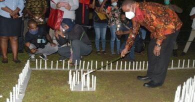 1000 Lilin Dipersembahkan Bagi Korban Bencana NTT
